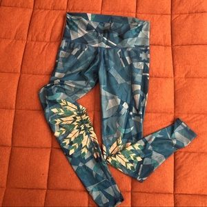 Teeki Lightning in a Bottle yoga pants, size M